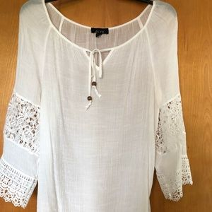 Breathable Laced Sleeved Beachy Blouse
